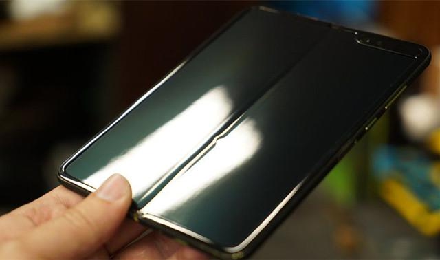 三星Galaxy Fold用户手册流出:重新上市指日可待