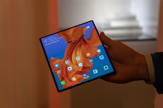 华为首款折叠屏手机Mate X获入网许可