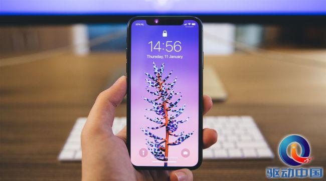 苹果高管称iPhone暂不考虑升降镜头,Face ID将登陆更多设备