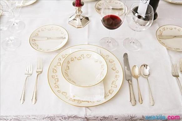 西方餐桌礼仪 西方餐桌礼仪:餐具摆放