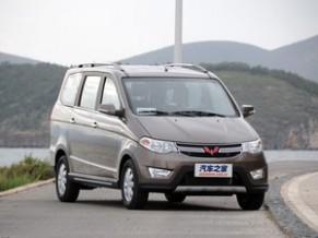 五菱汽车上汽通用五菱五菱宏光2013款 1.5L S 豪华型