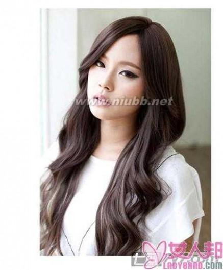 2012发型图片女 宽脸方脸女生适合的发型设计图片 2012中分发型迅速瘦脸