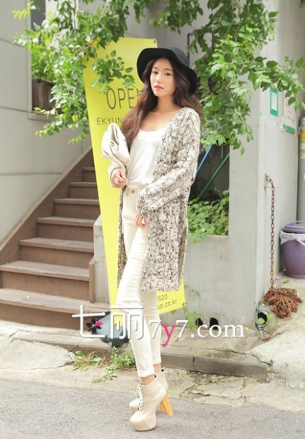 朴韶拉 韩国女神模特朴韶拉街拍图片 酷味裙装逆袭甜美范