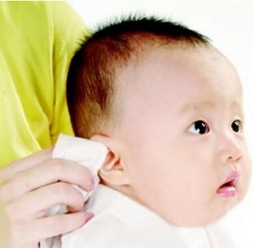 耳朵疼是怎么回事 宝宝坐飞机耳朵疼是为什么?
