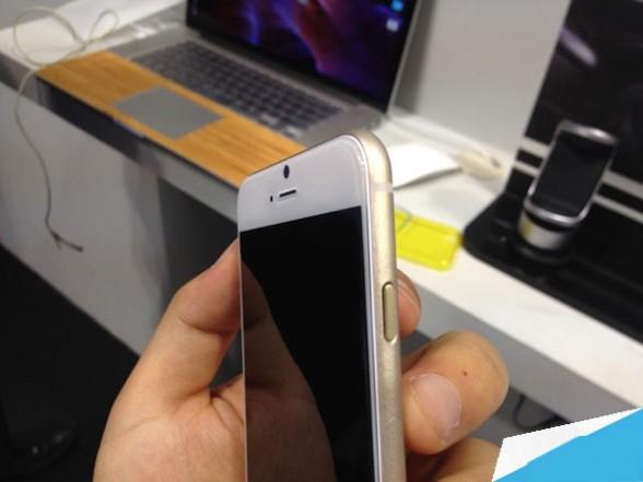 iPhone 6机模上手:这货明明是iPad