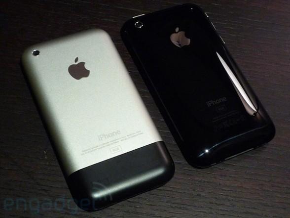 第一代iPhone与iPhone 3G背面比较