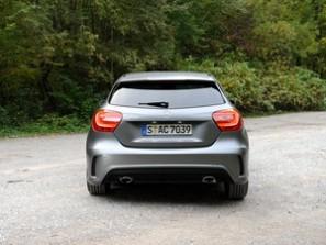 奔驰奔驰(进口)奔驰A级2013款 A200