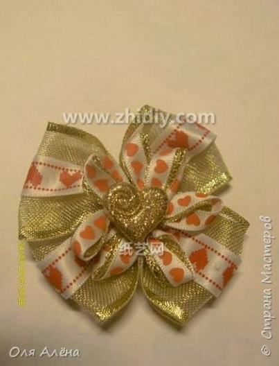 手工制作丝带玫瑰花 丝带制作手工花的方法图片