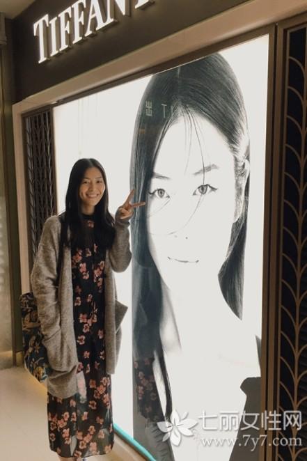 刘雯图片 刘雯街拍2015图片精选 看湘妹子走出国门玩时尚
