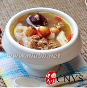 养胃汤 脾胃不和不妨喝点汤 教你九款健脾养胃汤做法
