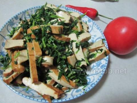 【我爱吃豆腐】香干炒马兰头_香干马兰头