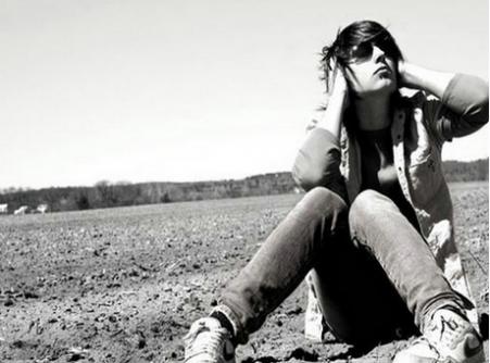 心情短语:我比较孤僻 但我想接近你。