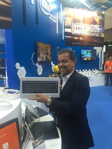 Intel在香港展出中国首创新一代电脑智酷oneBorad!