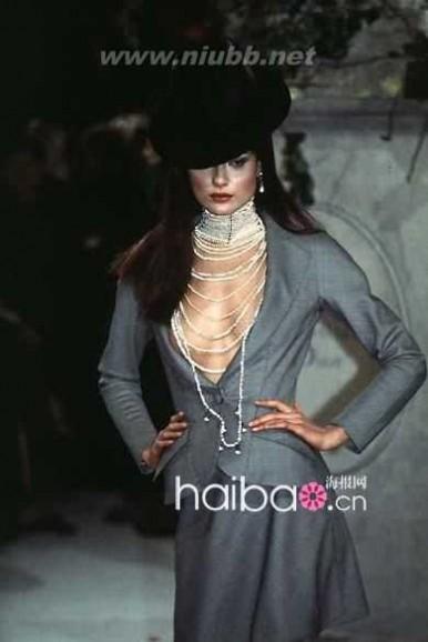 dior 2012春夏系列 迪奥EX创意总监约翰·加利亚诺 (John Galliano) 入主Dior后的首个女装系列:Christian Dior 1997春夏高级定制系列秀场图片回顾,你是否有唏嘘之感?