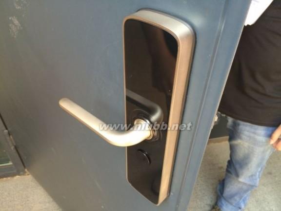 「雷锋前线」攻破一把智能门锁的N种方法_门锁