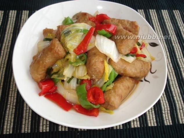甜不辣怎么做 甜不辣鱼板炒白菜的做法,甜不辣鱼板炒白菜怎么做好吃,甜不辣鱼板炒白菜的家常做法