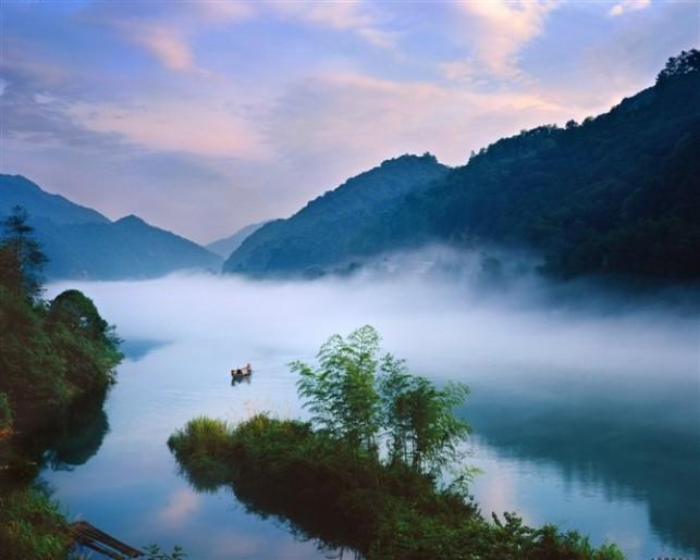 2017毕业游好去处:湖南莽山东江湖