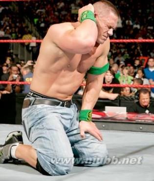 WWE精彩回顾:TripleH大战JohnCenaHHH胜出塞纳虽败犹荣