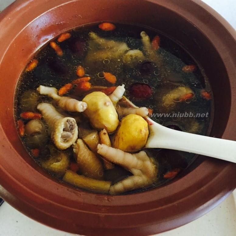鸡爪煲汤 板栗鸡爪汤的做法,板栗鸡爪汤怎么做好吃,板栗鸡爪汤的家常做法