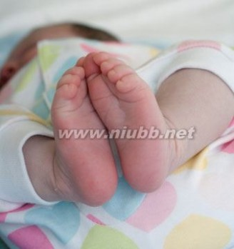 宝宝发烧后出疹子 宝宝发烧后出疹子怎么办
