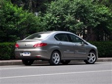 漂亮 东风漂亮 漂亮408 2010款 2.0L自动尊贵版