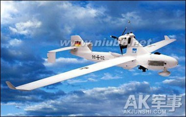 而wj-600则可达到200米/秒,在飞行高度上更胜一筹,可达万米高空,远