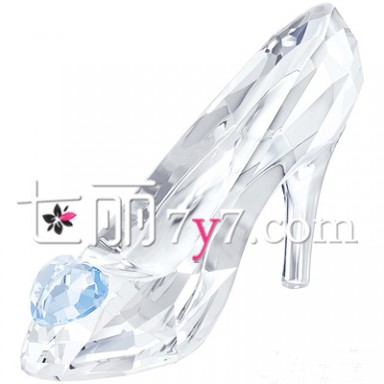 灰姑娘的浪漫舞鞋 迪士尼电影《灰姑娘》首映倒计时 施华洛世奇珠宝首饰系列绽放童话魅力