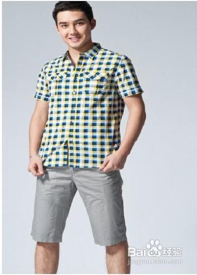 男生格子衬衫搭配 大学男生夏季短袖格子衬衫搭配怎样的裤子