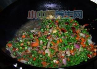 饭遭殃--肉末豇豆_豇豆做法大全