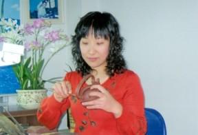 蒋丽雯 蒋丽雯:赋予紫砂作品丰富的文化内涵