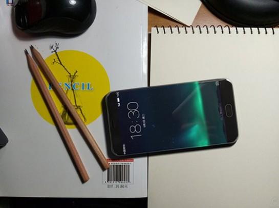 科客晚报:iPhone 7后壳大曝光,魅族PRO6采用双曲面屏?