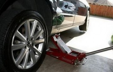 如何更换汽车备用胎