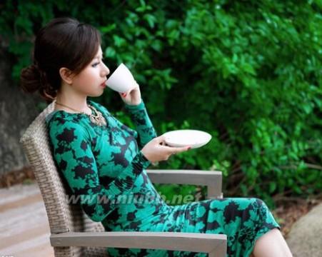 美女品茶唯美意境图片欣赏_品茶图片